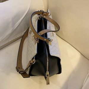 Guess large Black and white bag